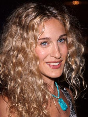 Celebrity Hairstyle Gallery Natural Curls Carrie Bradshaw Hair Curly Hair Styles Beautiful Curly Hair