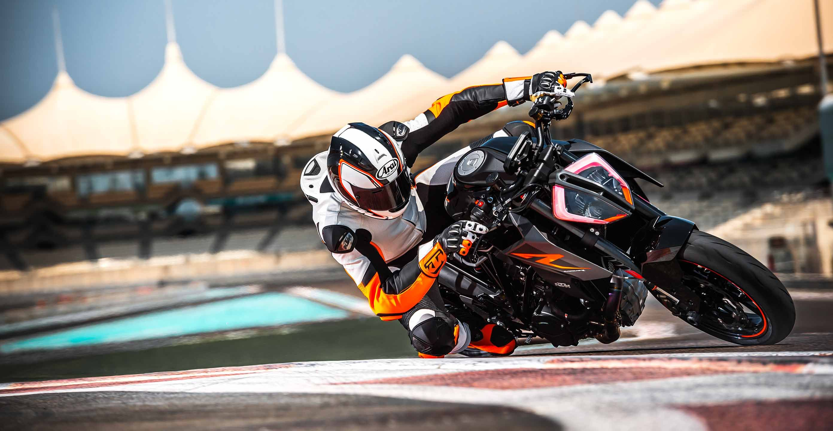 More Power And Performance For Ktm S 1290 Super Duke R And 390 Duke Revzilla Ktm Ktm Super Duke Futuristic Motorcycle