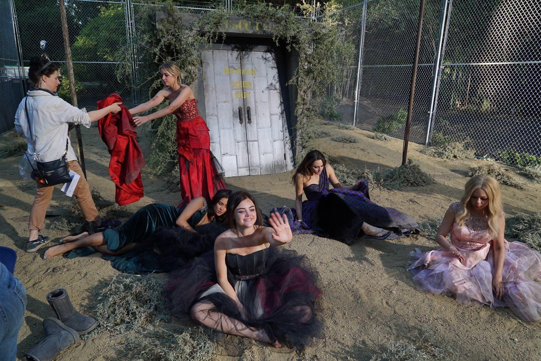 Behind the scenes of Pretty Little Liars Season 5