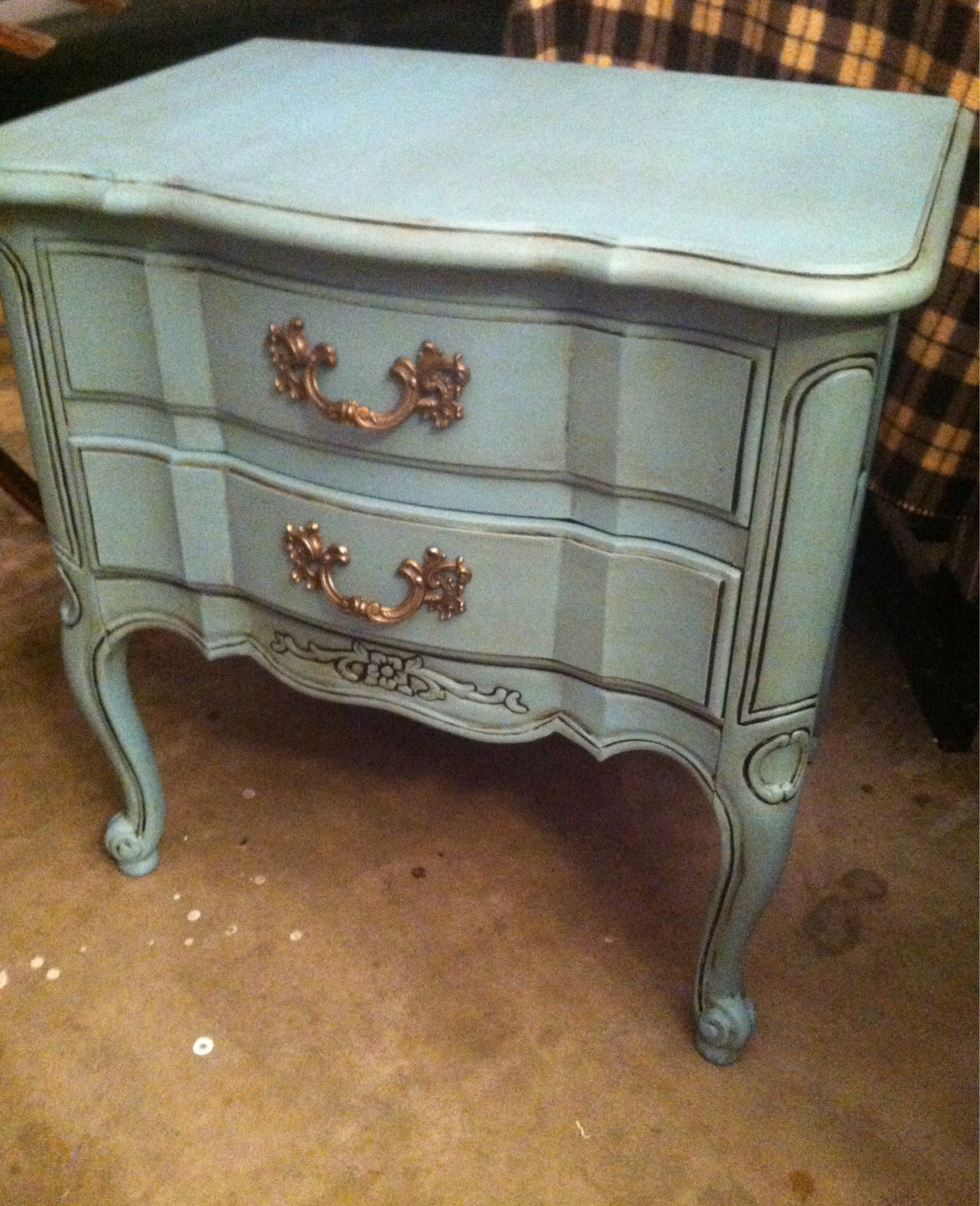 2 Drawer Nightstand Thomasville 1966 Re Finished In Annie Sloan Chalk Paint P Shabby Chic Furniture Annie Sloan Painted Furniture French Painted Furniture