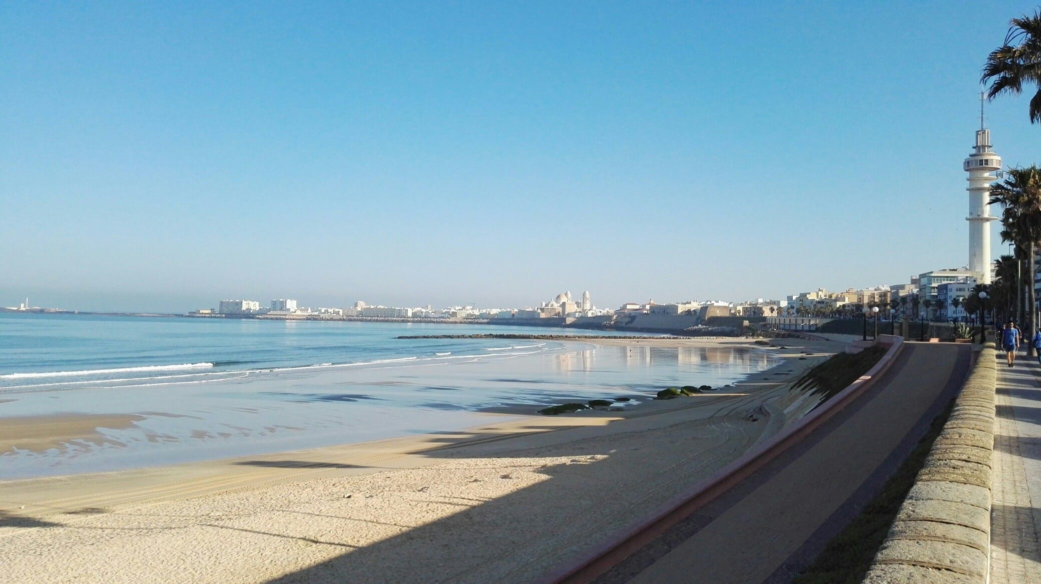 Reflejos del mar en Cádiz