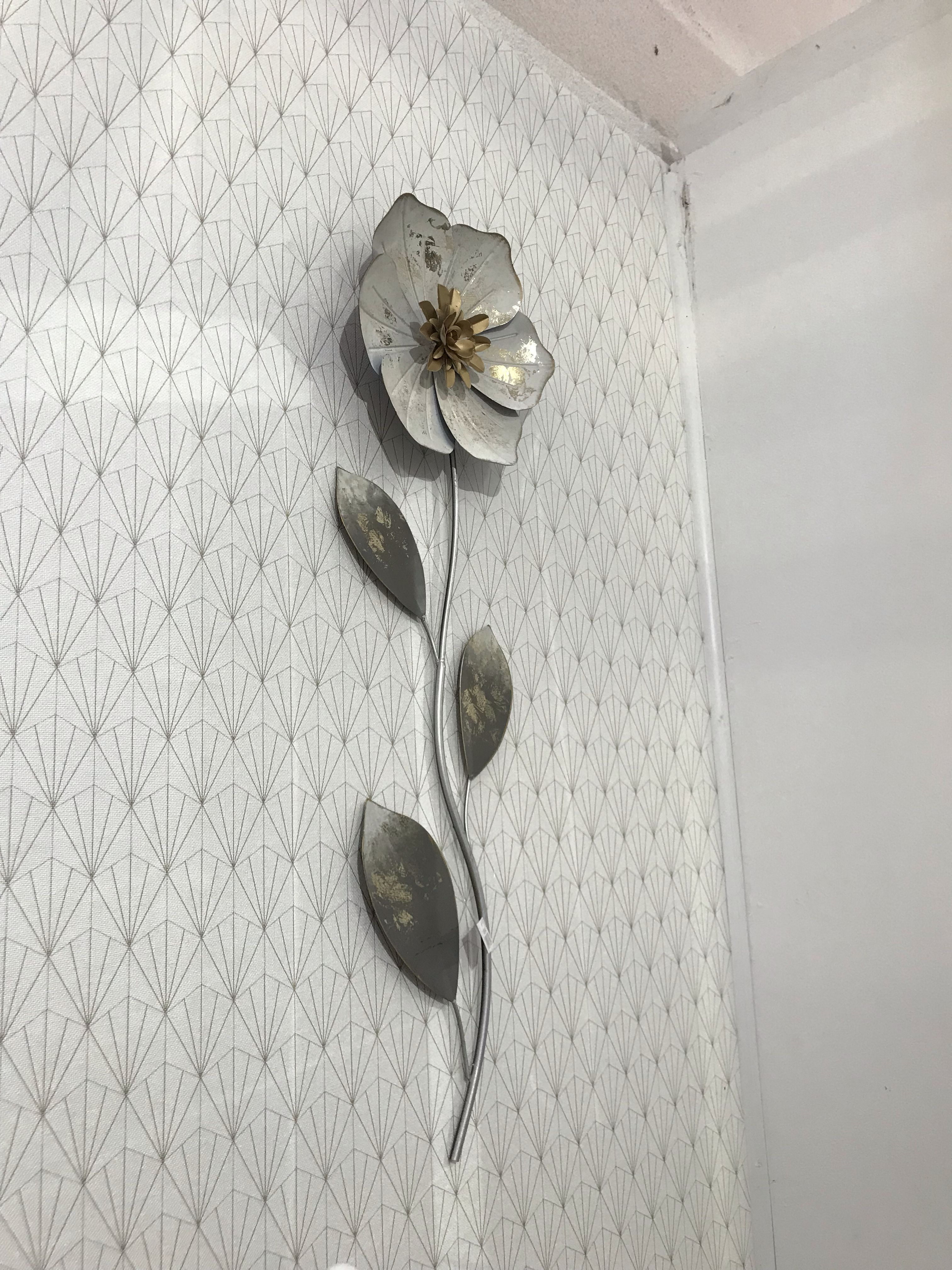 Fleur En Métal Décoration Murale , Ton Doré Blanc Cuivré En Magasin Chez  Juratextiles à Orchamps