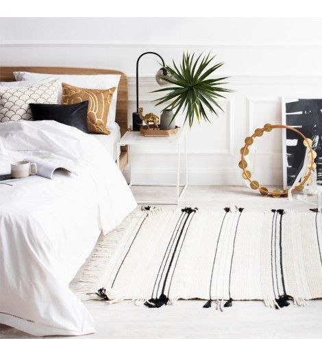 20 Best Neutral Bedroom Decor And Design Ideas For 2020: Scandinavian Bedroom Using White And Neutral Colors