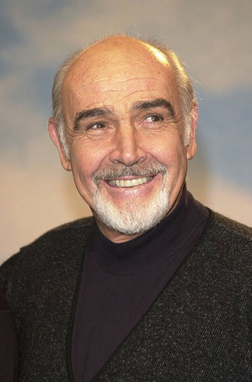 A lovely smile for Sunday. | Sean connery, Lovely smile, Photo