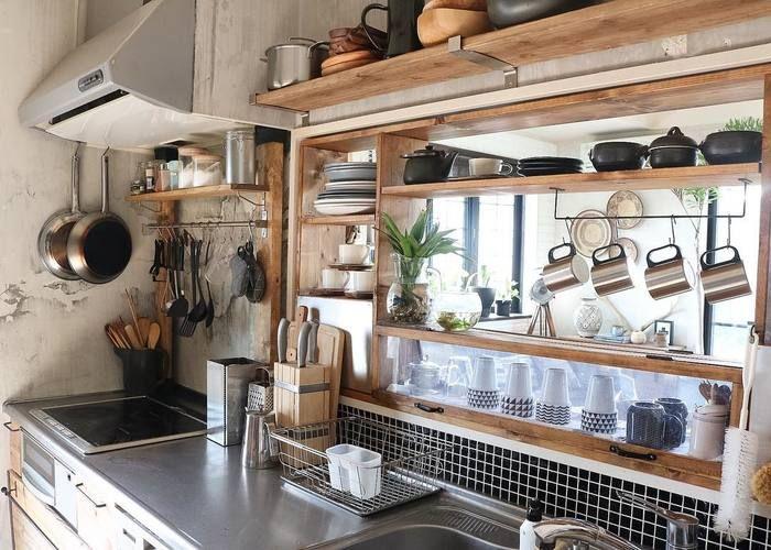 大事にしたい時間 素敵な家カフェの様子まとめました キナリノ キッチン 出窓 キッチン 棚 おしゃれ キッチン Diy