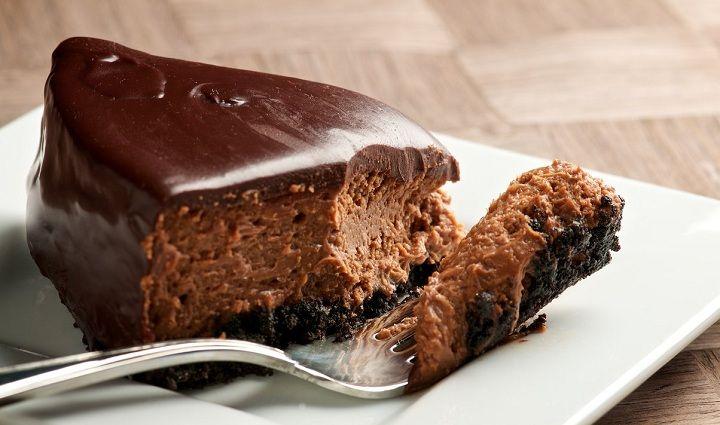 Postre de cheesecake de chocolate
