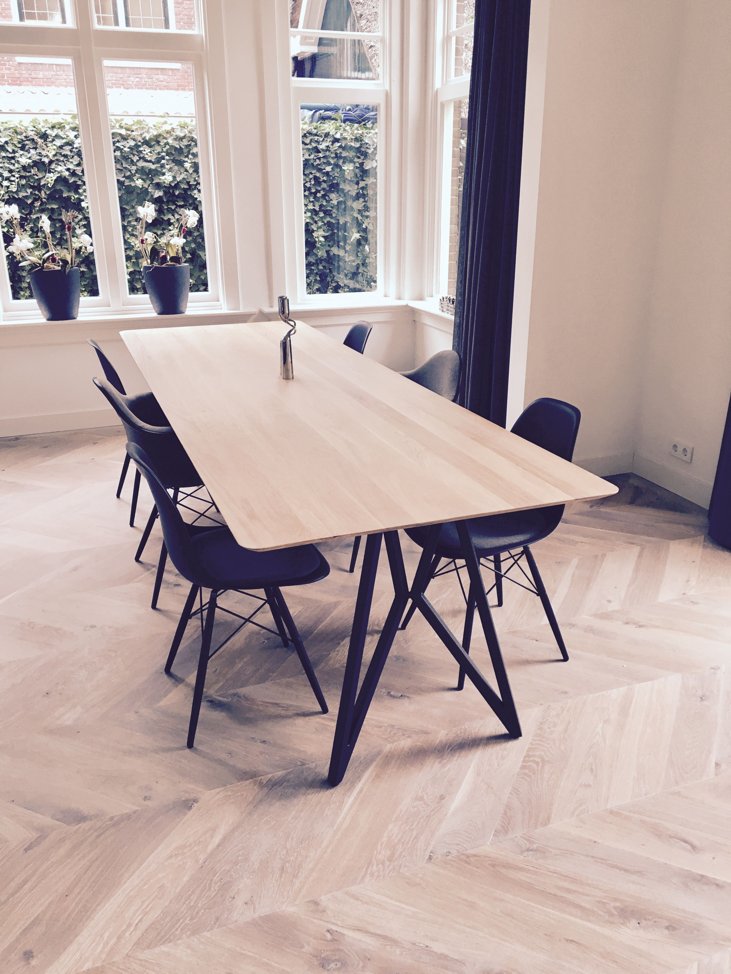 nice setting studio h k butterfly dining table vitra eames daw