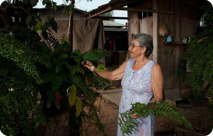 Dona Eli, personagem de Porto dos Gaúchos - MT, fotografado pro Ary Diesendruck para o Projeto Laços de Família: Etnias do Brasil em comemoração do centenário da Sociedade Brasileira de Dermatologia - SBD