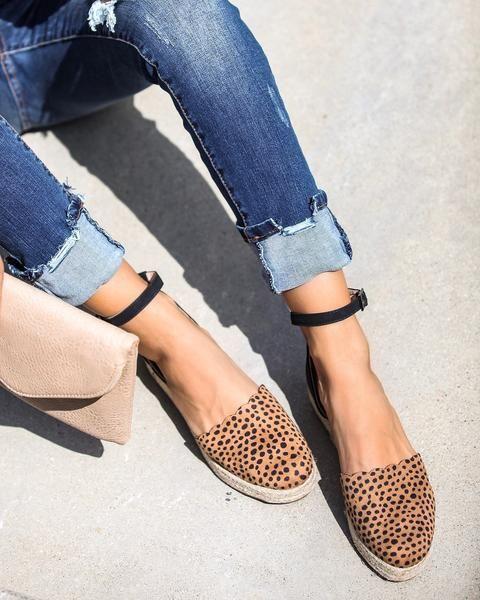 0e2f1f94900 Simba Scalloped Espadrille Sandals