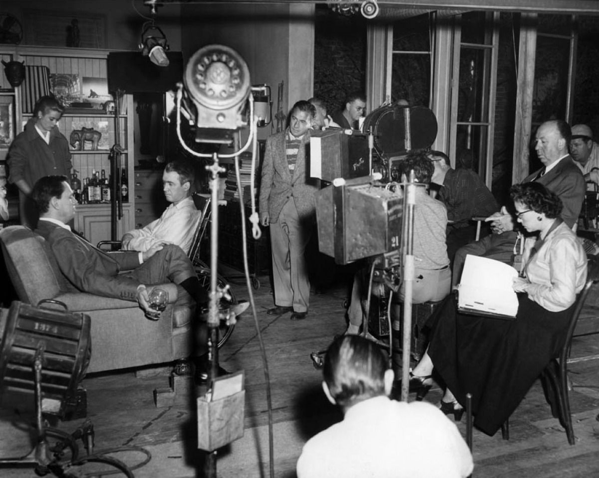 on the set of rear window alfred hitchcock 1954 the films of on the set of rear window alfred hitchcock 1954