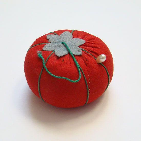 Vintage C1950s Sewing Tomato Needle by thenewenglandhuswife