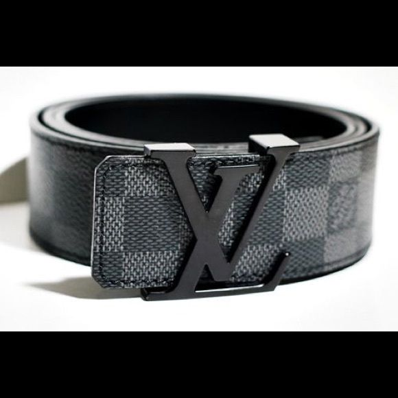 0d1e0de78299 Looking for the LV Men s Belt in Black! Looking for this belt. Has to be  100% authentic with box and dust bag preferred. Size 30! Comment below if  you have ...