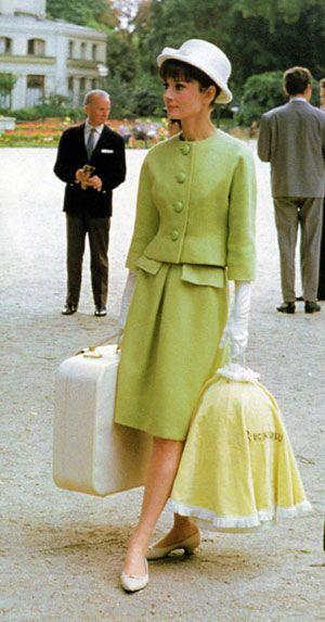 Image from http://image.glamourdaze.com/2012/07/audrey-1960s-fashion.jpg.