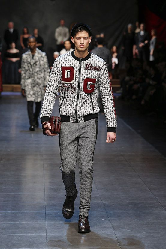 Discover Videos and Pictures of Dolce   Gabbana Fall Winter 2015 2016  Menswear Fashion Show on Dolcegabbana.com. 29a5ed4ddc2