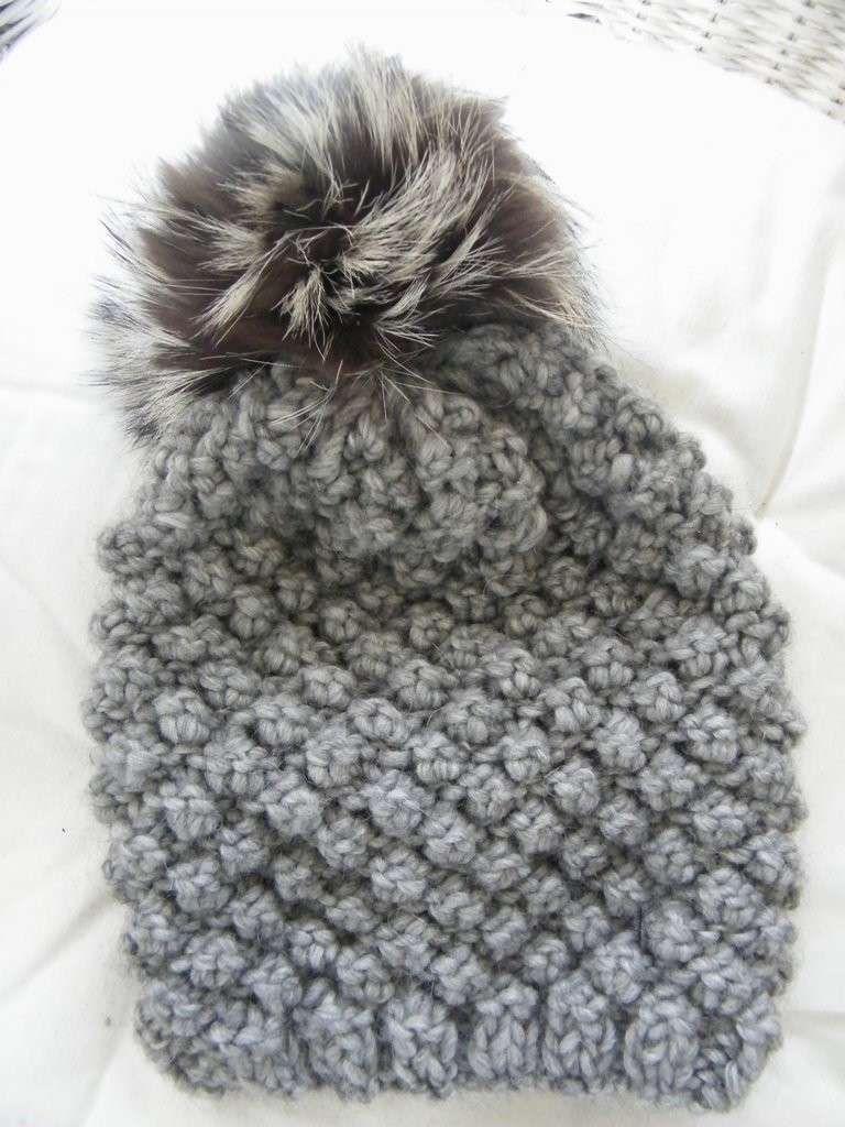 Cappelli di lana per bambini ai ferri - Cappello con pon pon  40e72b3cb954