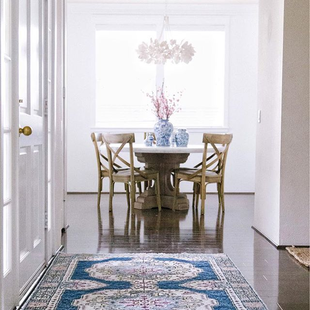 16 Absolutely Gorgeous Mediterranean Dining Room Designs: Entry Rug, Interior Inspiration, Rugs