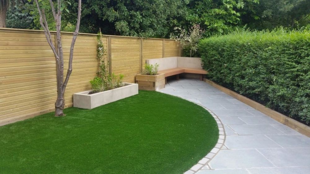 Jacksons Tongue Groove Fence Panels In A Triangular Garden Transformation