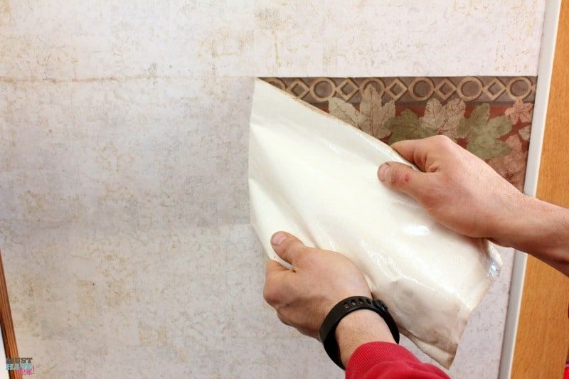 How to remove the outdated wallpaper border in your RV ...
