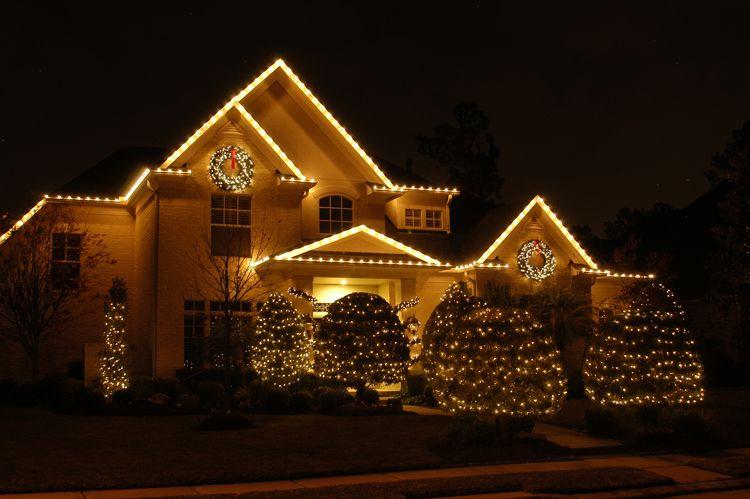 Elegant Outdoor Christmas Lights Why We Love White