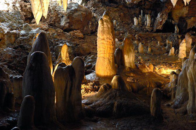 Visitar Cueva El Soplao Cantabria Kamaleon Travel Cuevas Cueva De Altamira Paisajes Espectaculares