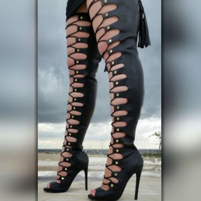 Black Lace Up Thigh High Boots | Schuhe, Stiefel, boots ...