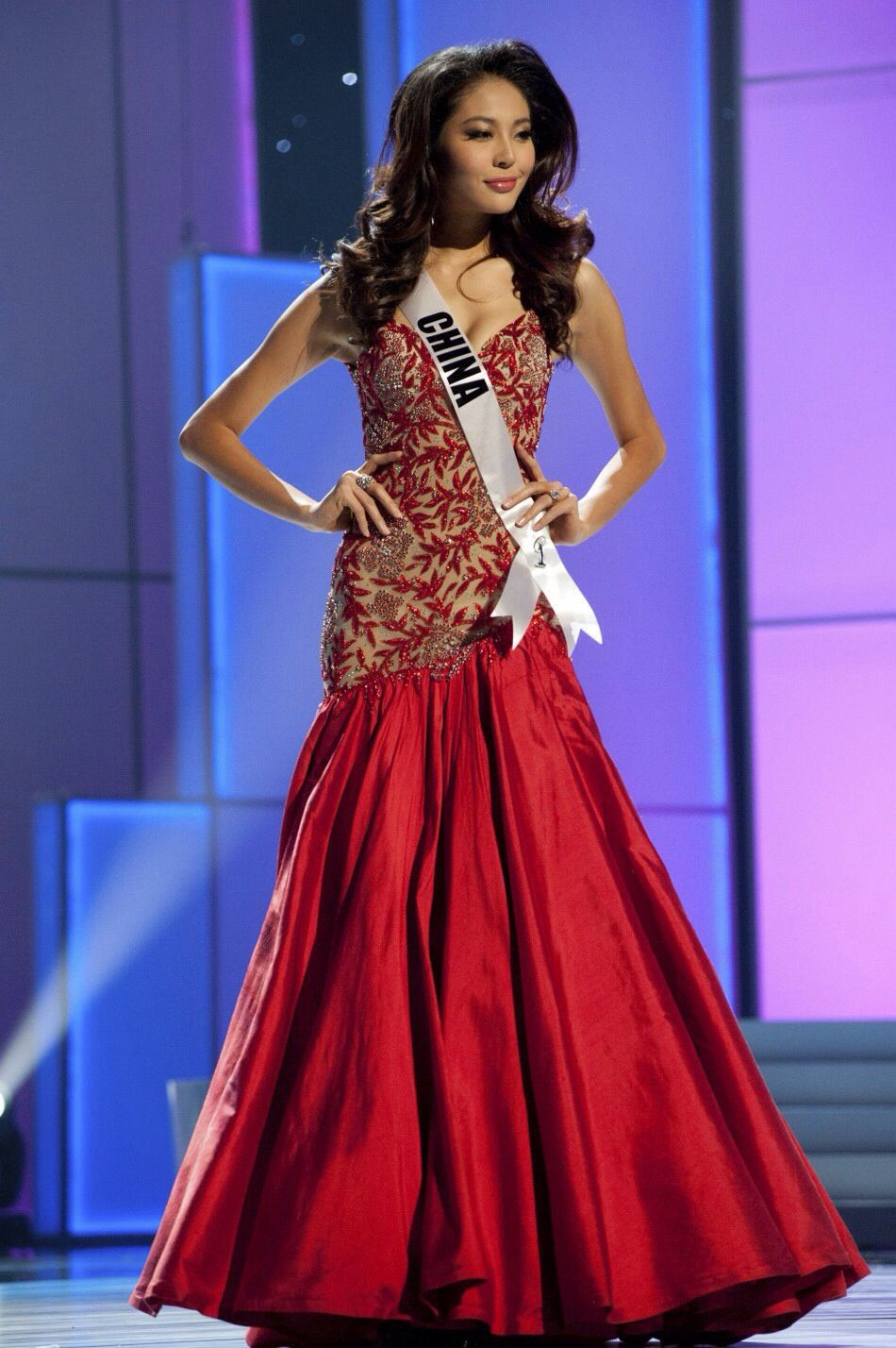 Luo Zilin Miss China Universe 2011 Evening Gown: HIT or MISS ...