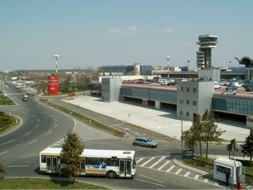 """""""Aeroporto Internacional Henri Coandă"""". Bucarest, Romênia."""