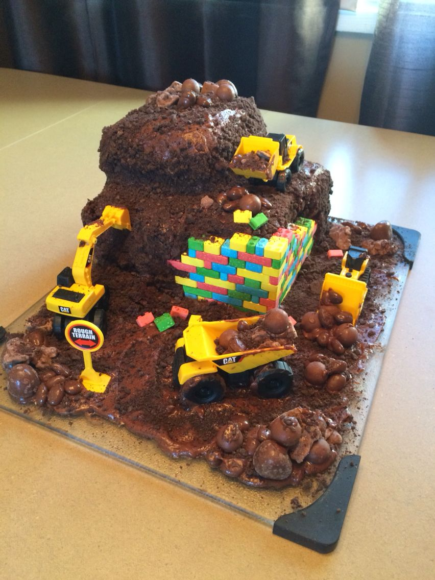 Lego Construction Cake Made With Candy Lego Lego Ideas