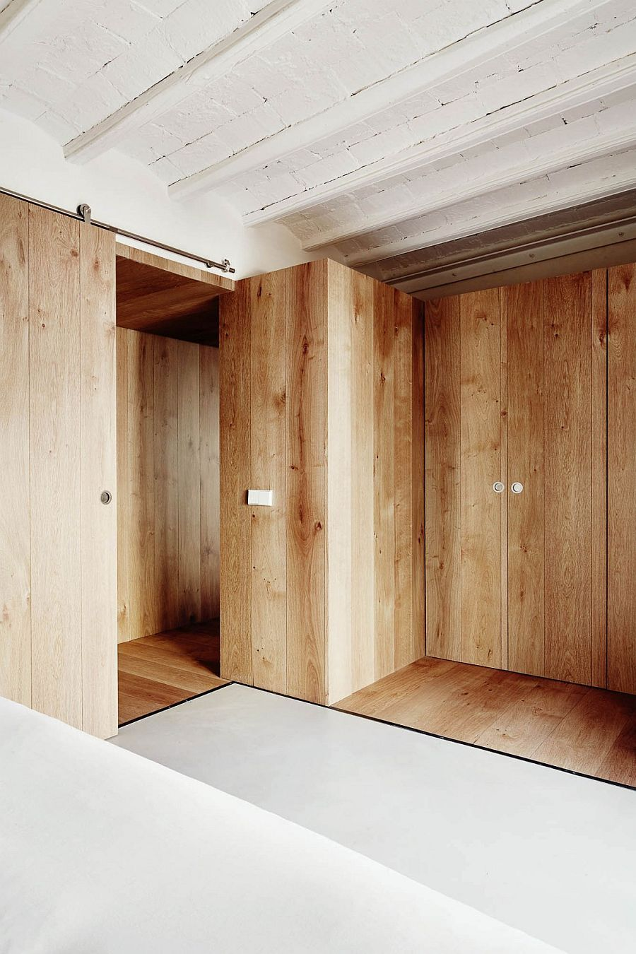 Wooden Walls Create Smart Parions And Private Zones Inside The Tiny Tourist Apartment Decoist