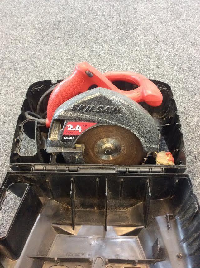 Skil Saw 5500 Corded Electric Circular Saw 2 4 Hp 13 Amp Motor 7 1 4 Hard Case