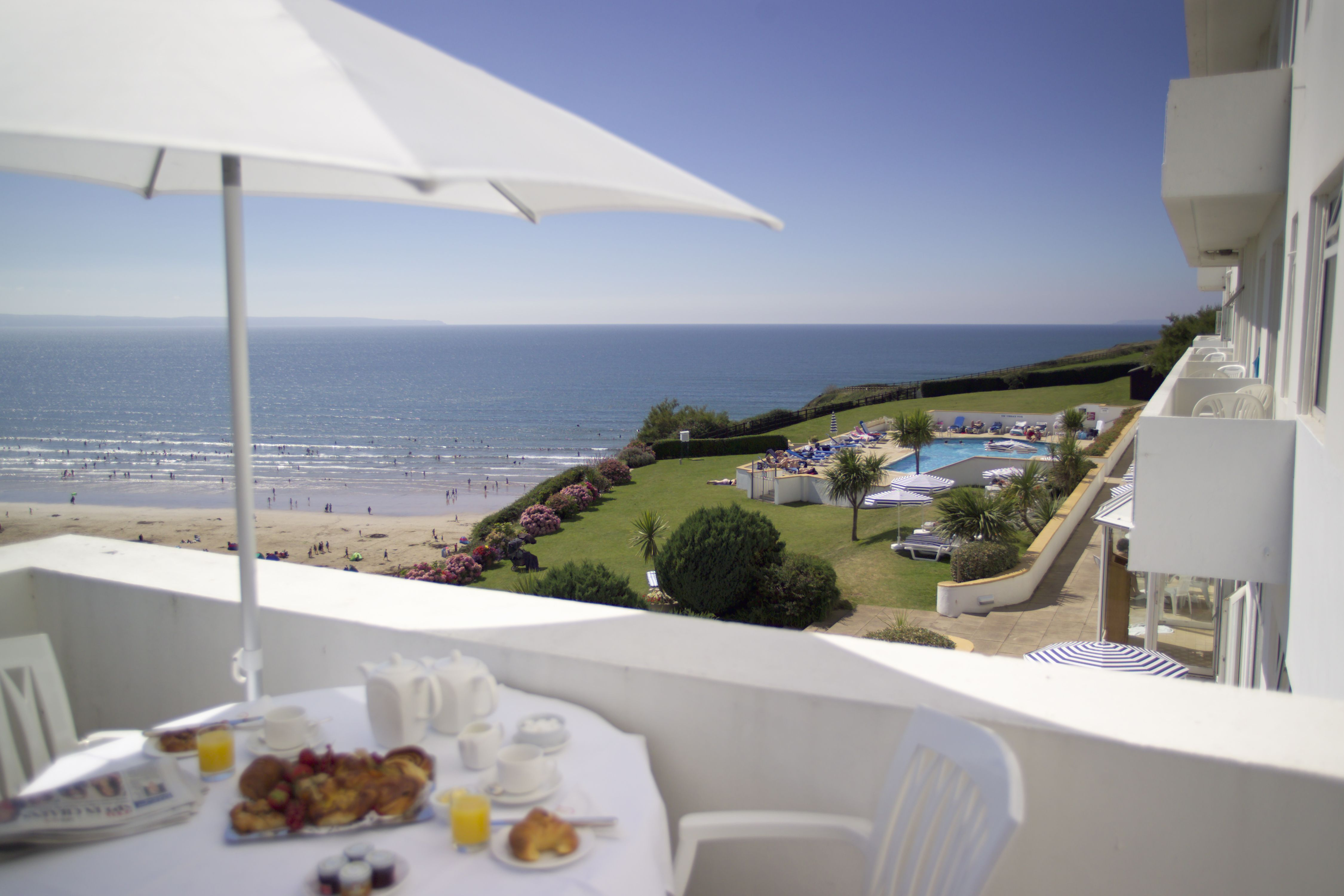 Saunton Sands Hotel On A Cliff Top Overlooking Braunton Burrows The Features Spa 2 Swimming Pools And Por Restaurant