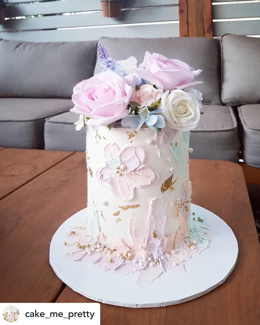 Caketutorial كيك كاب كيك كوكي كوكيز عيدميلاد عيدزواج عيد الأم تزیین کیک تزيين كوكيز مولود مولود جديد عرس اعراس عقد Mini Cakes Dessert Table Cake