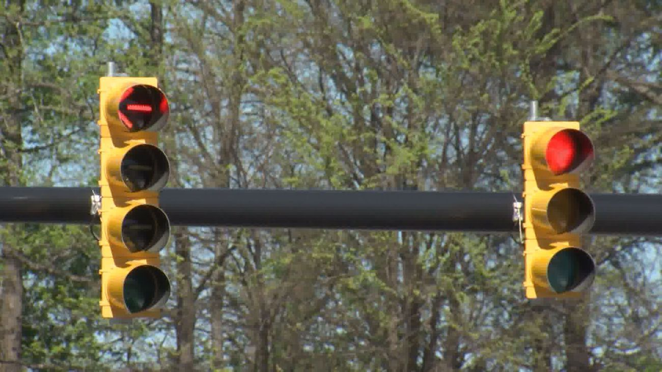 GREENVILLE, N C  (WNCT) — Red light cameras in Greenville