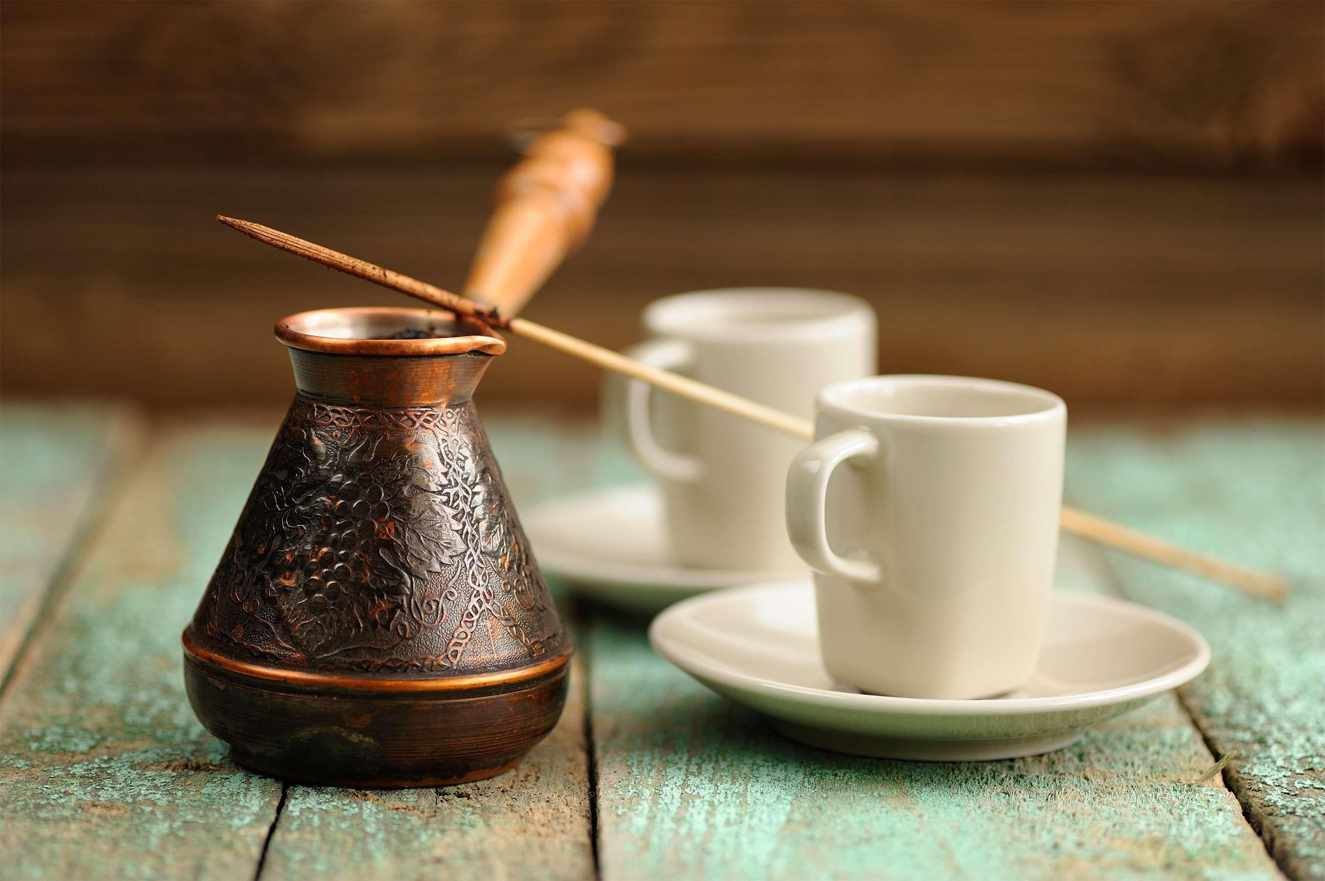 Turkischer Kaffee So Bereitet Man Ihn Zu Turkischer Kaffee Mokka Kaffee Kaffee