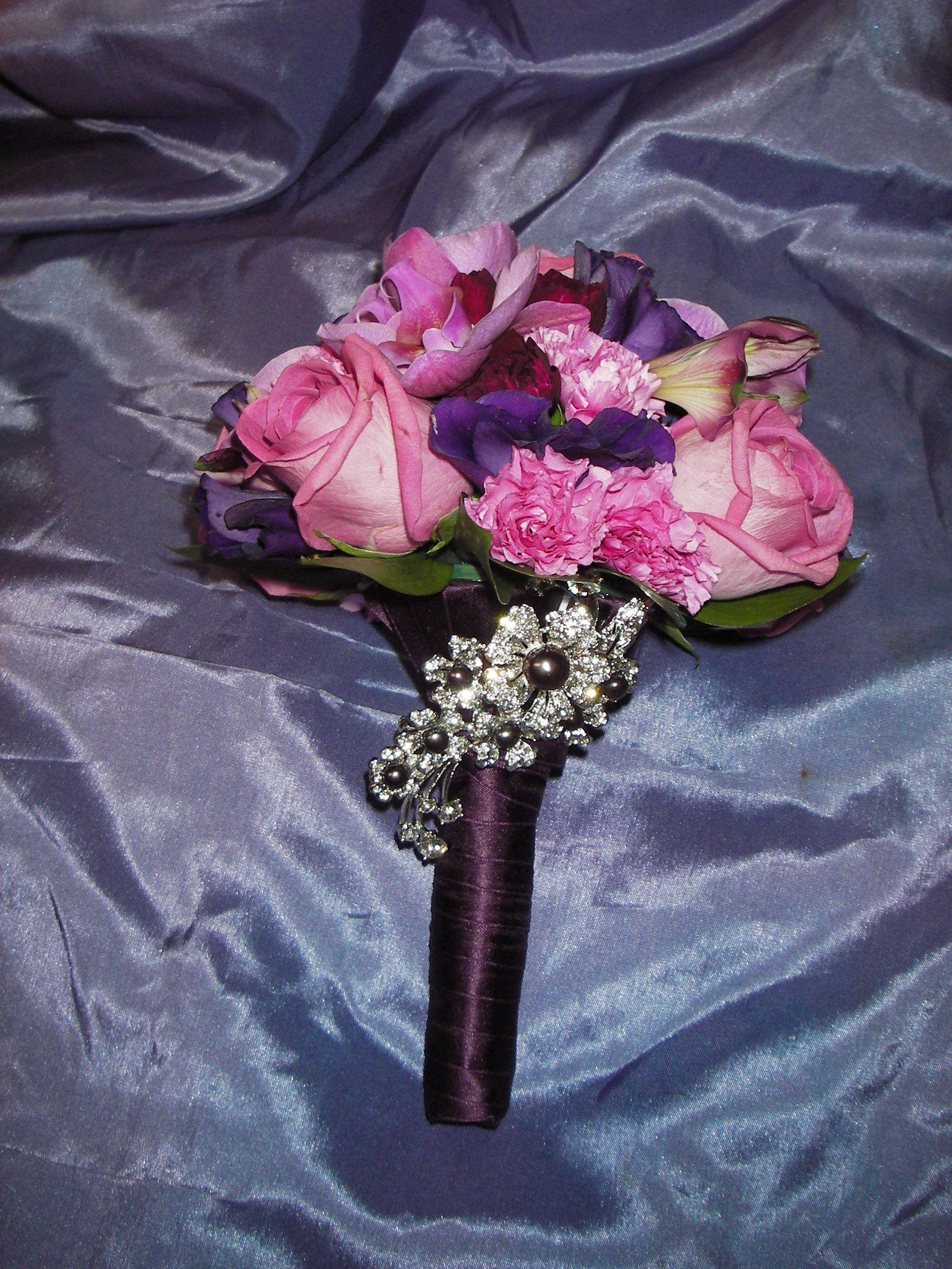 Pinkki-lila morsiuskimppu / Cawell