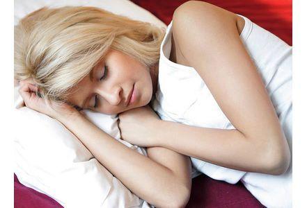 5 conseils pour bien dormir quand il fait chaud   Topsanté ...