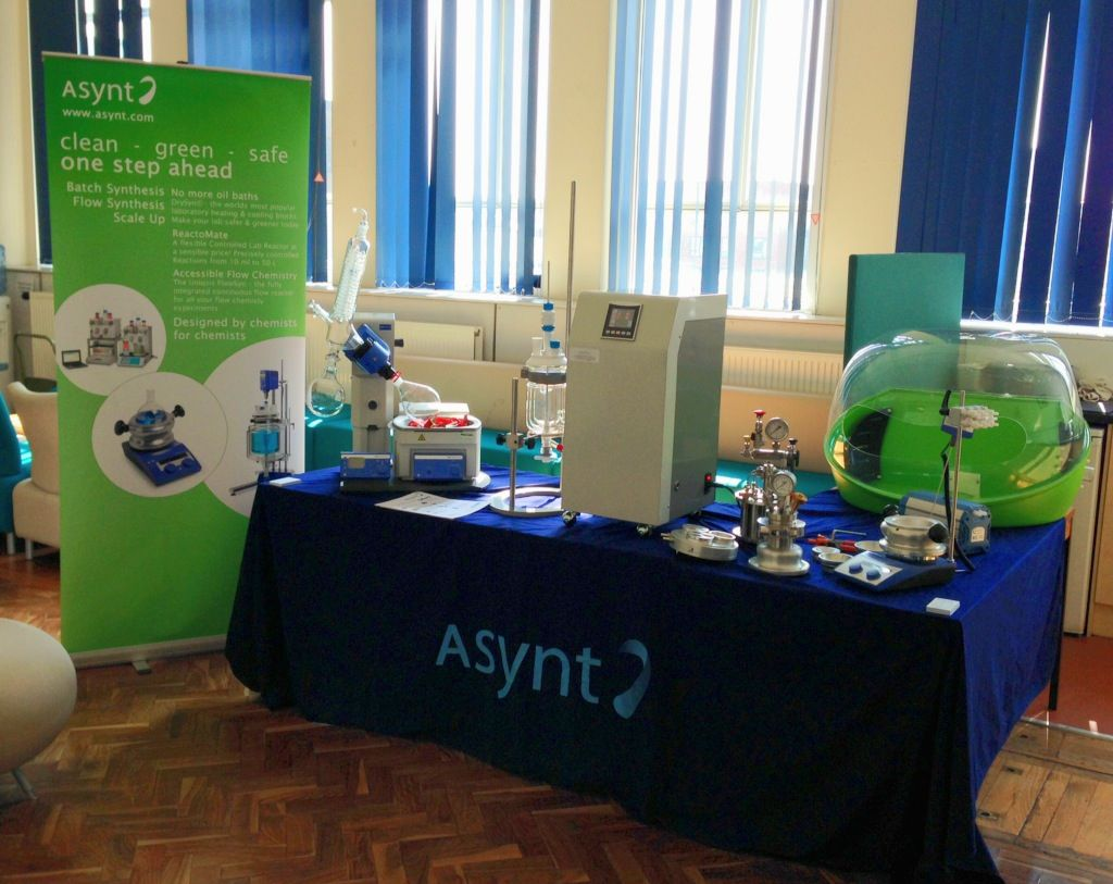 Displaying the Asynt wares Laboratory equipment, Cleaning