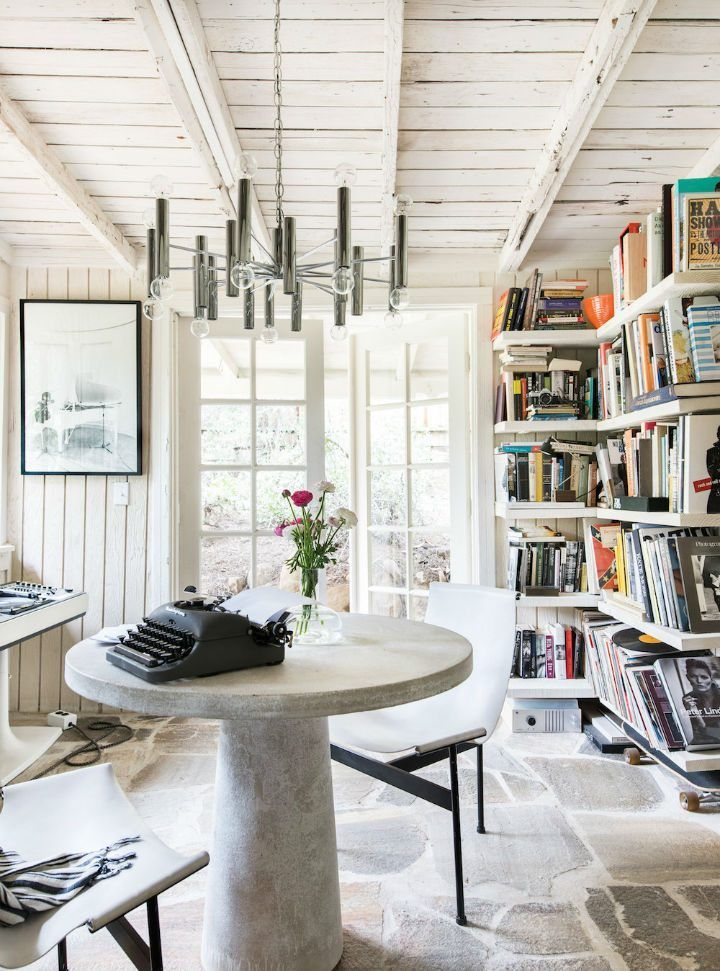Tour This Amazing Fashion Blogger S Transitional Home Office: Amazing Interiors With Effortless Style