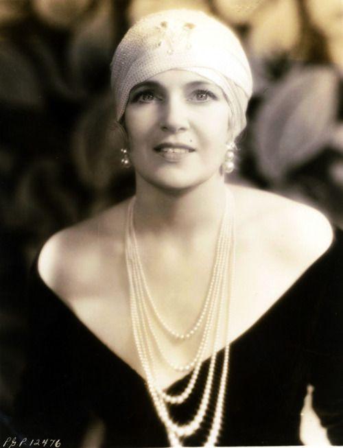 Olga Baclanova 20s - FILMOGRAPHY AS ACTOR      Claudia (4-Nov-1943)       Downstairs (6-Aug-1932) · Baroness Eloise von Burgen      Freaks (20-Feb-1932)       The Docks of New York (16-Sep-1928)       The Man Who Laughs (27-Apr-1928)