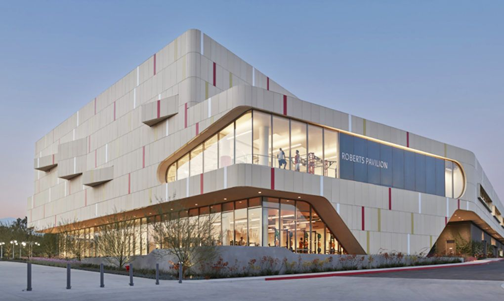 Sustainable fitness center combines good looks and an eco ...