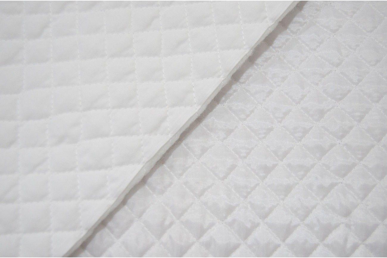 Telas de acolchado con un espesor de entre 3 y 5 mm, que se utiliza ...
