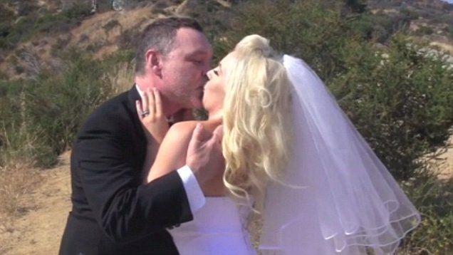 Pregnant Courtney Stodden 21 Renews Her Vows With Doug Hutchison 55 Courtney Stodden Vows Bride