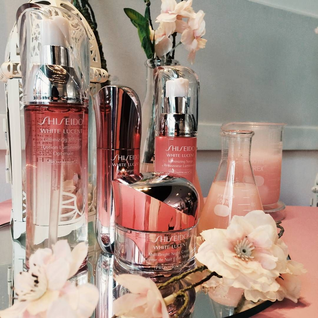 Gadismagz At The Launching Of Shiseido White Lucent In 2020 Wine Bottle Rose Wine Bottle Shiseido White Lucent