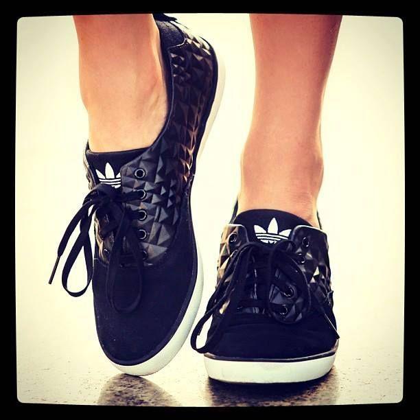 sale retailer adda2 c1c90 Original Adidas Azurine Low romantic japan lace shoes