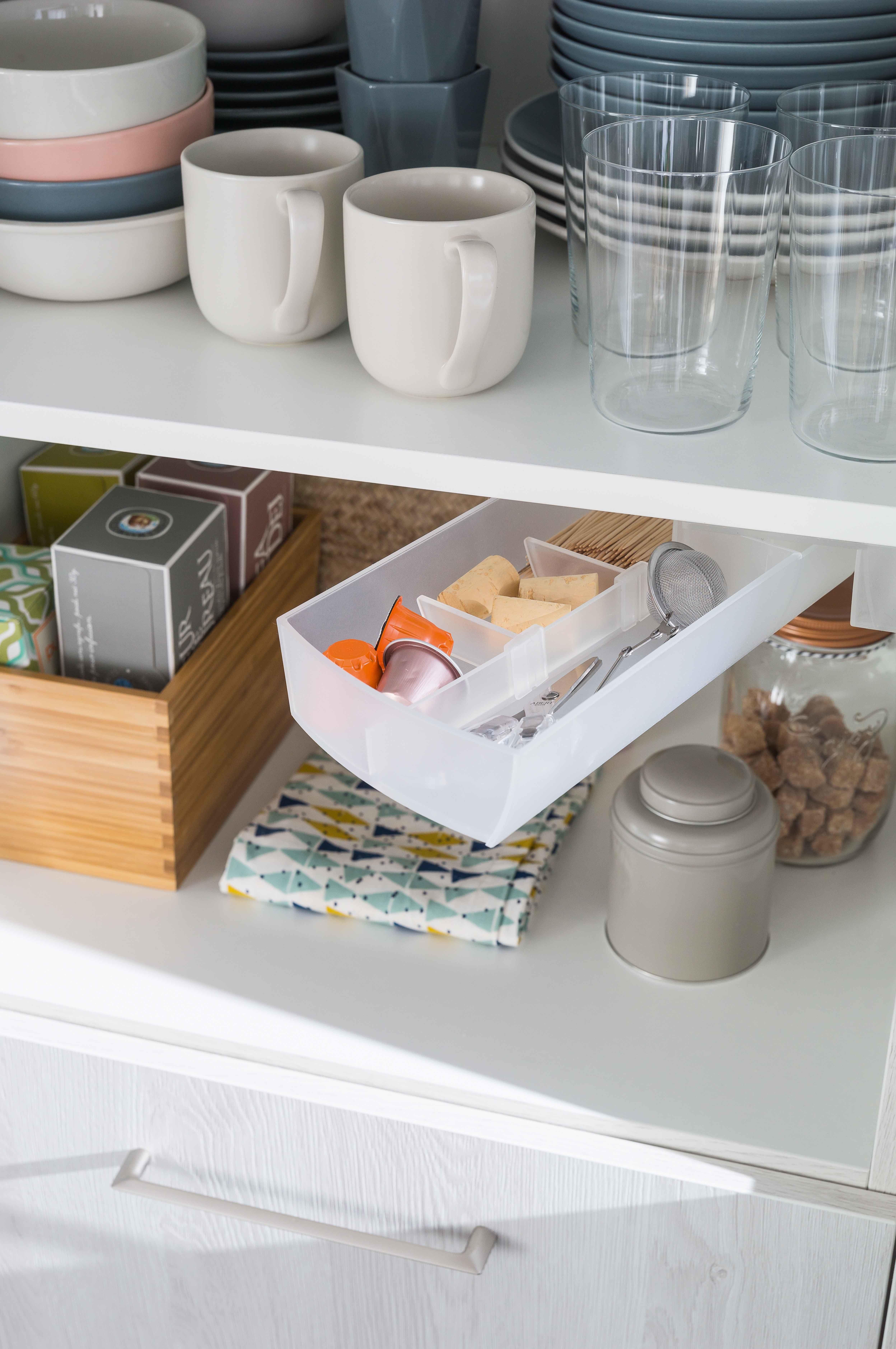 Accessoires Pour Cuisine Aménagée accessoire cuisine équipée : boîte pivotante pour les petits