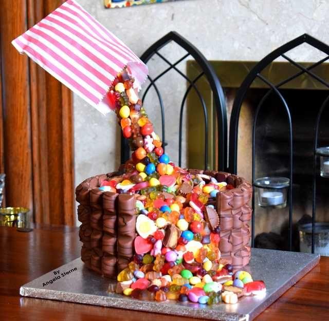 Pick & Mix Anti-Gravity Cake #gravitycake