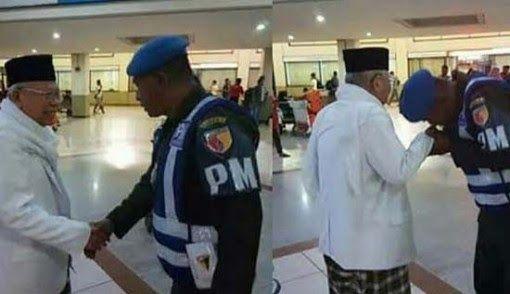 KEREN ! TNI Cinta Ulama, Personel Denpom Cium Tangan Kiai Ma'ruf Amin