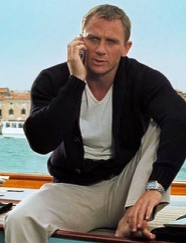 Daniel Craig Cardigan With Chinos Daniel Craig Bond