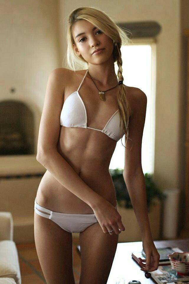 Sexy heiße Strandmädchen