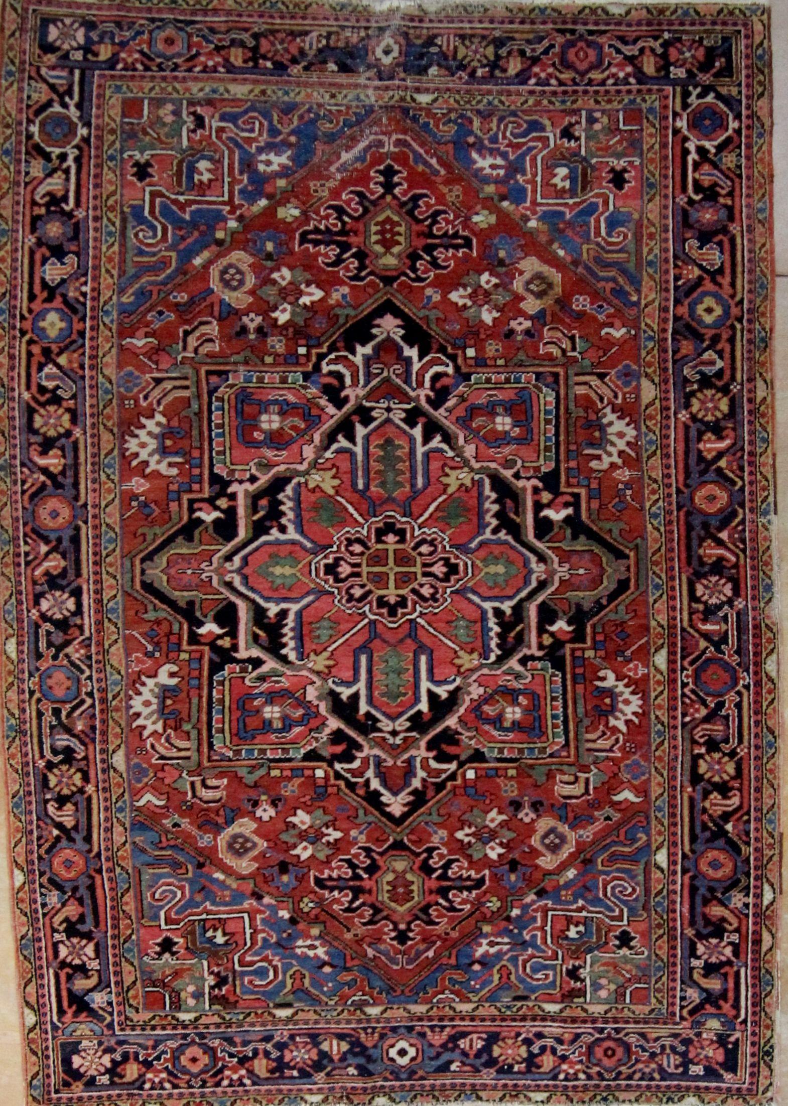 Antique persian hariz 66x94